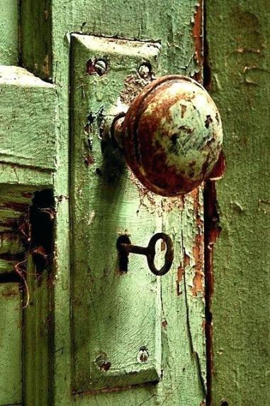 old-door-knobs-unique-vintage-door-handles-close-that-doors-vintage-doors-and-door-knobs